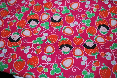 Coton oko tex Hilco design Hamburger Liebe Strawberry picking fushia - reste 92 cm